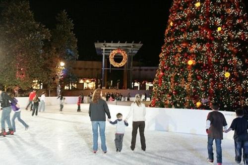 Horton Plaza Ice Skating